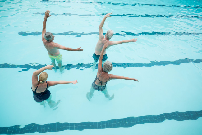swimming workouts to lose weight